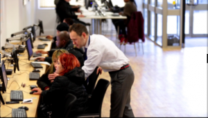 Helping customers get online at a Jobcentre Plus office