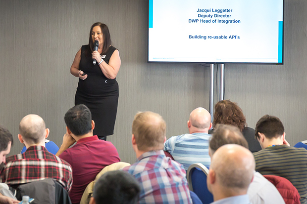 Jacqui Leggetter presenting at the API conference